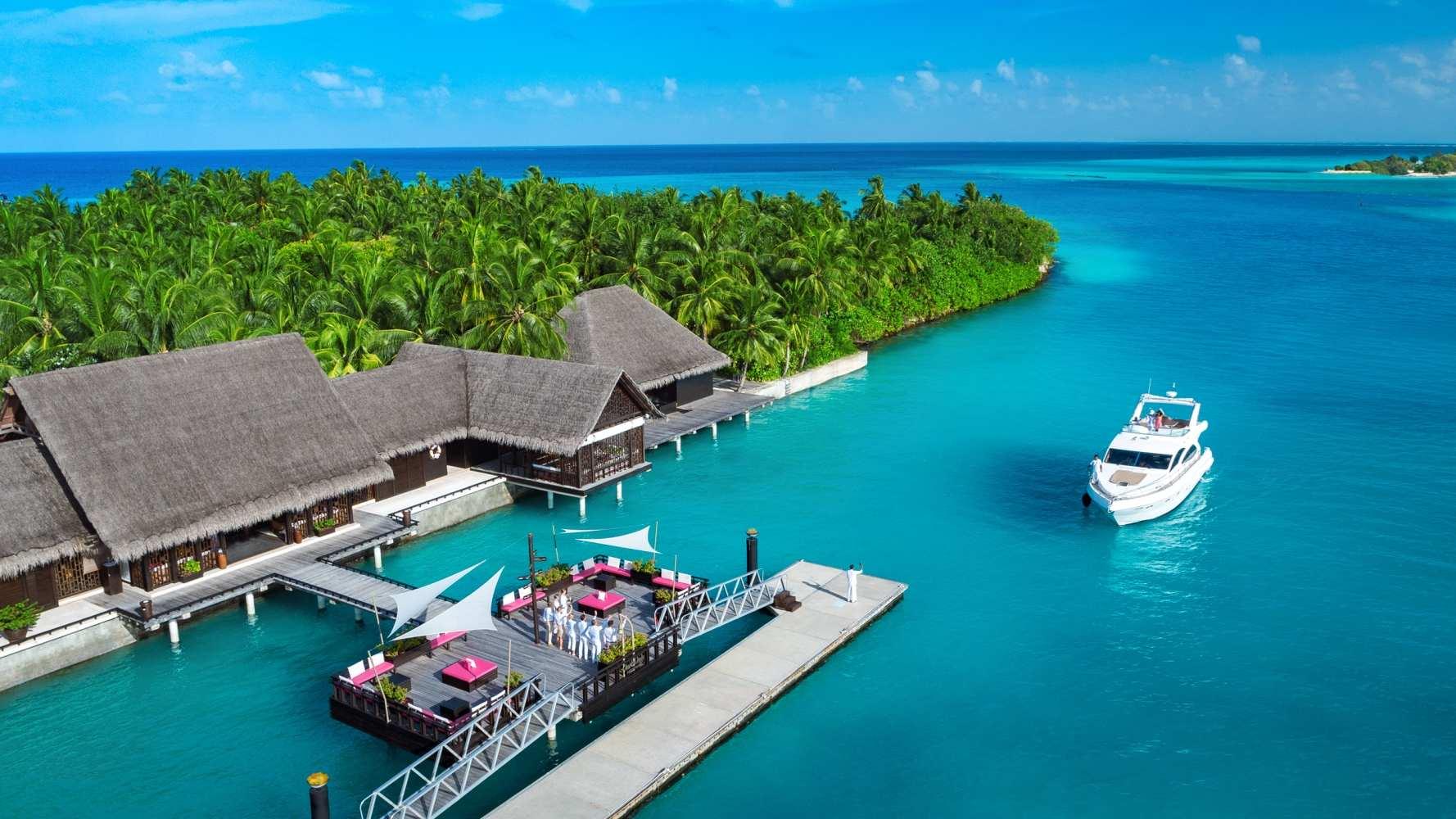 Трансфер на катере или яхте на Мальдивах One & Only Reethi Rah
