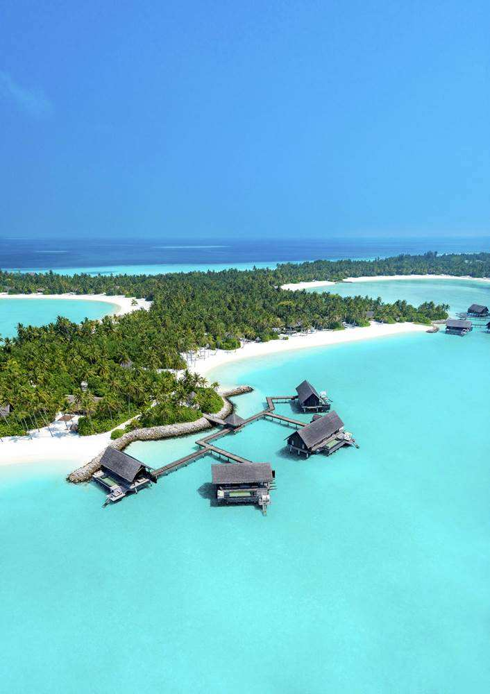 One & Only Reethi Rah 5*, водные виллы