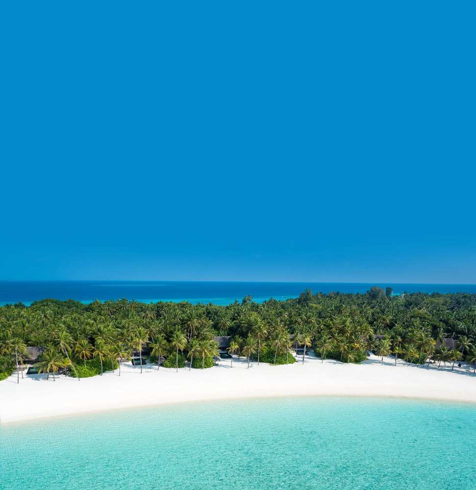 One & Only Reethi Rah 5*, пляж