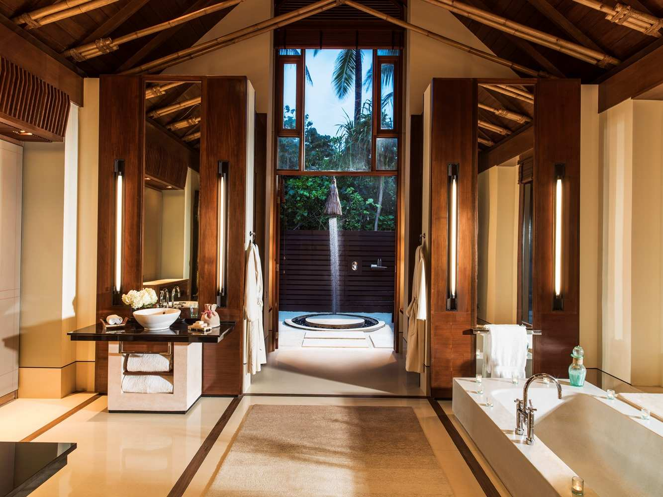 One & Only Reethi Rah 5*, Beach Villa with Pool