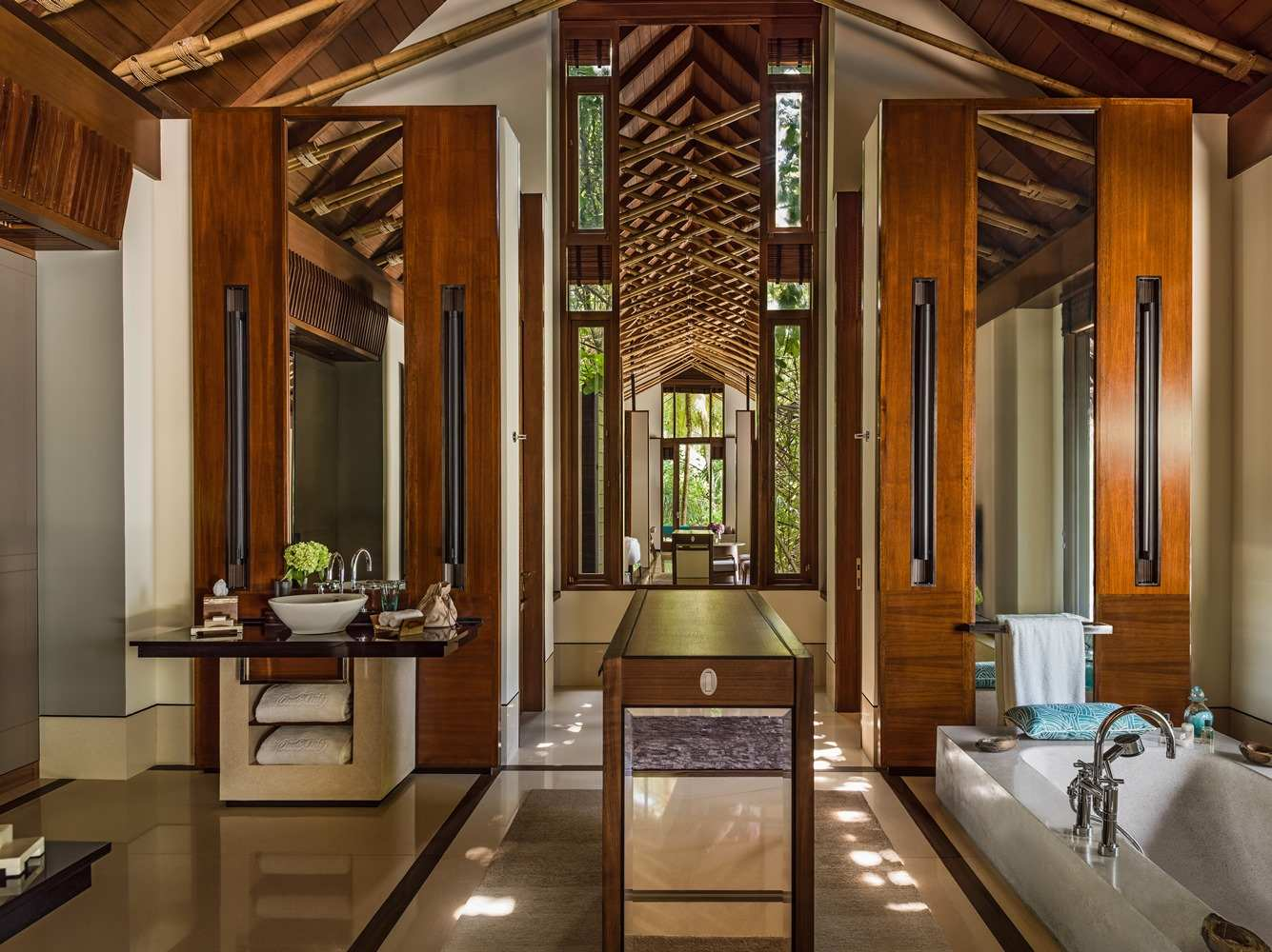 Grand Beach Villa with Pool Two BedroomOne & Only Reethi Rah 5*,