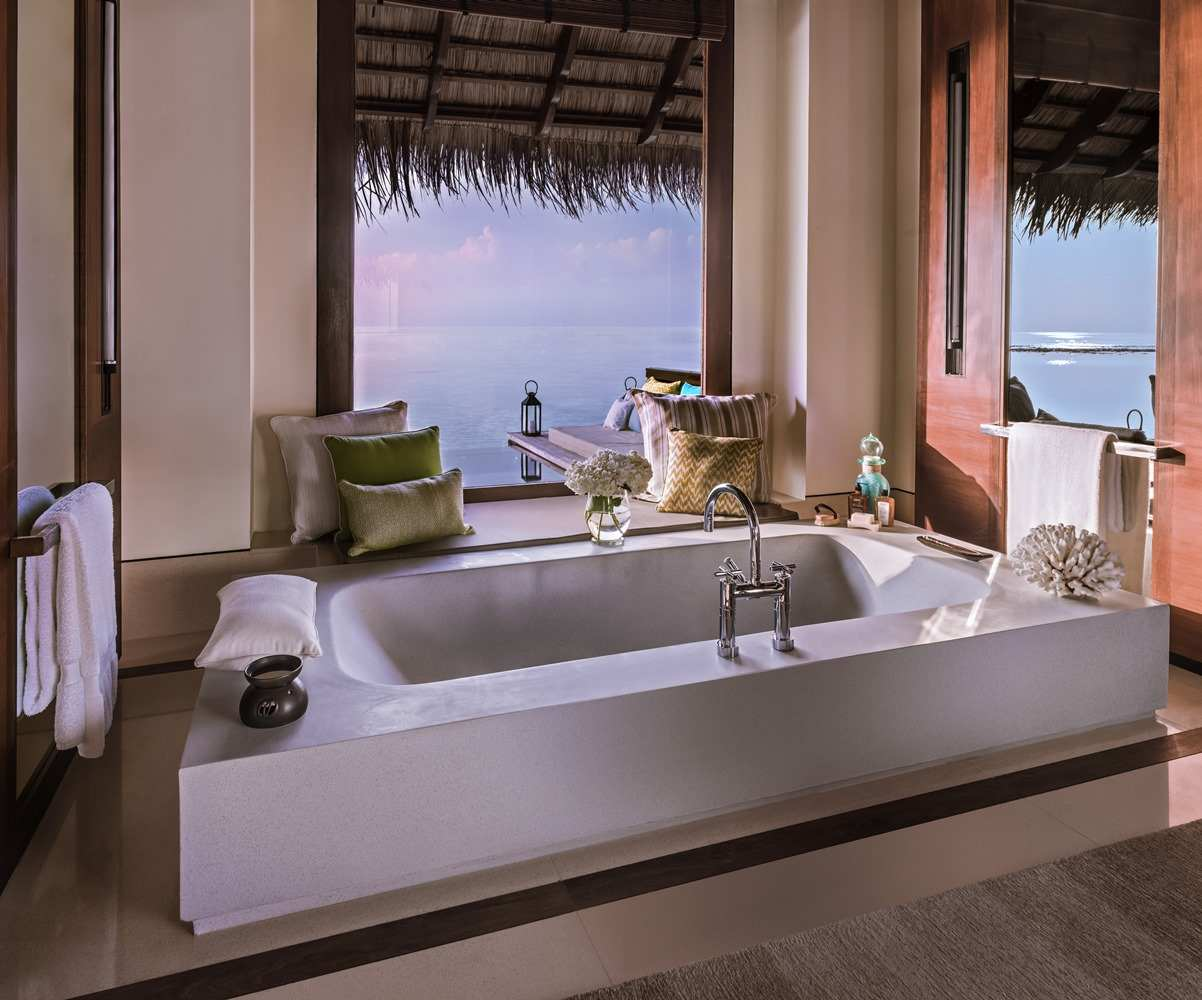 One & Only Reethi Rah 5*, Water Villas with Pool