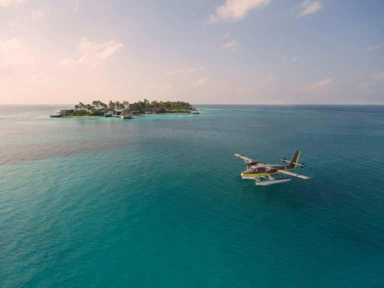 Трансферы на Мальдивах на гидросамолёте Cheval Blanc_Seaplane
