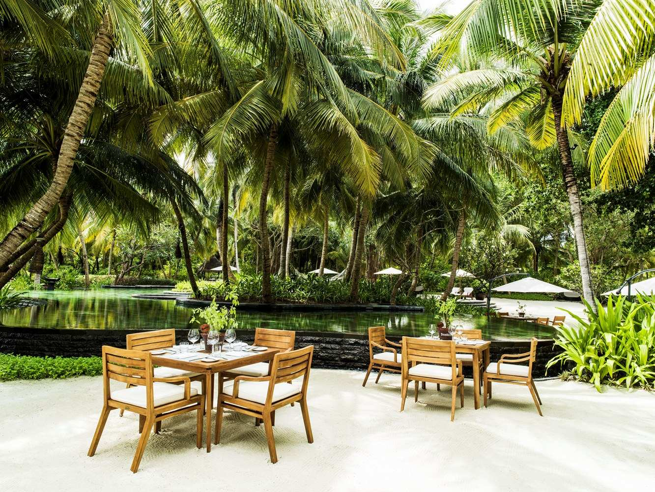 One & Only Reethi Rah 5*, Rah Bar