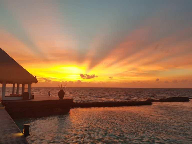 Когда лететь на Мальдивы закат