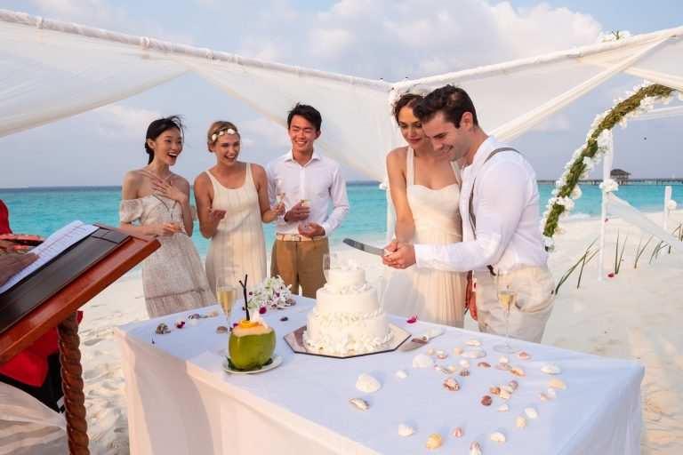 Цена свадьбы на Мальдивах JA Manafaru застолье