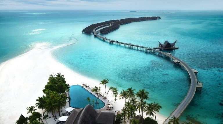 Какое море или океан омывает Мальдивы пляж