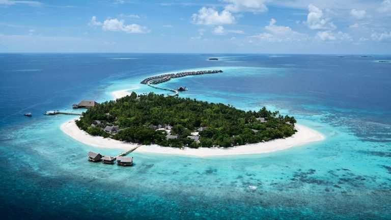 Какое море или океан омывает Мальдивы остров